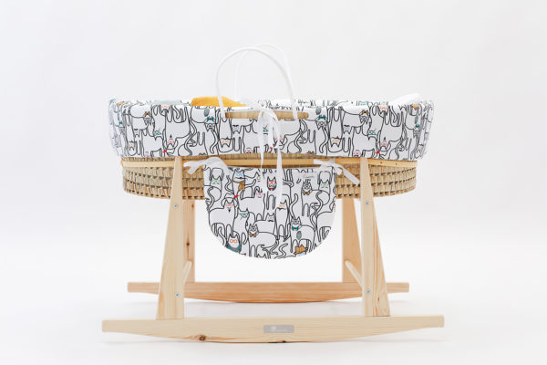 baby bassinet cats